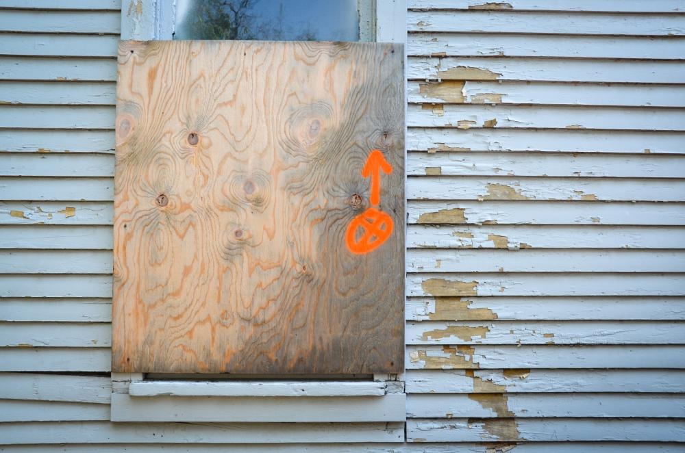 Marking exterior light fixtures