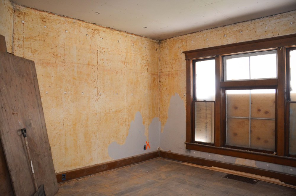 Wallpaper removal in parlor