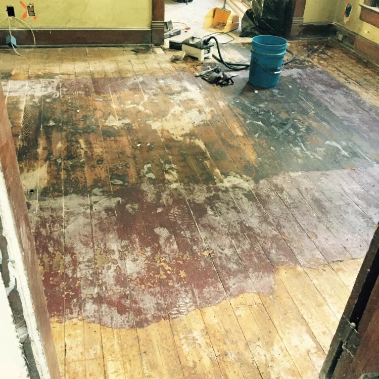 Dining room sans linoleum