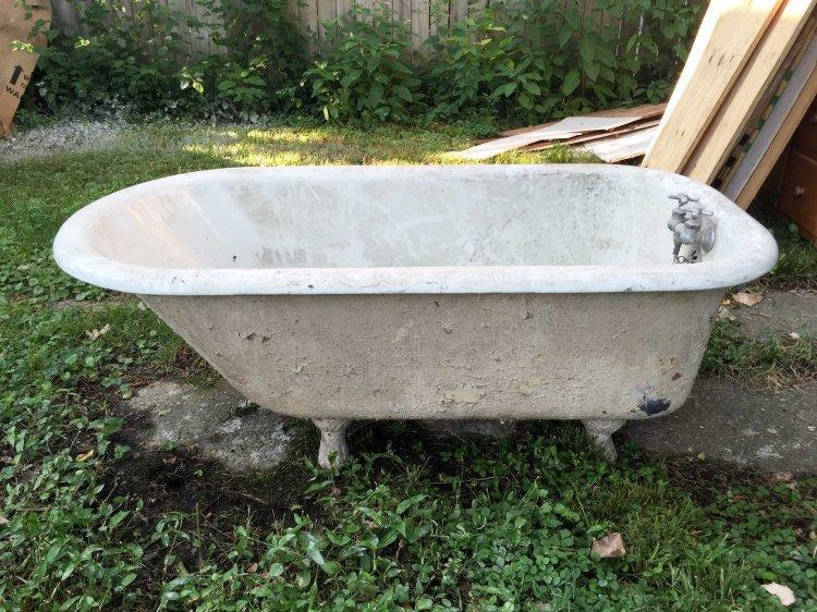 The original clawfoot tub